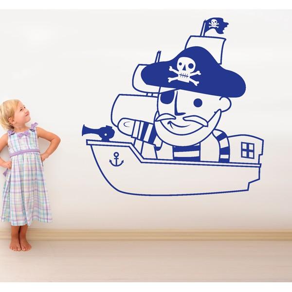 pirata en su barco