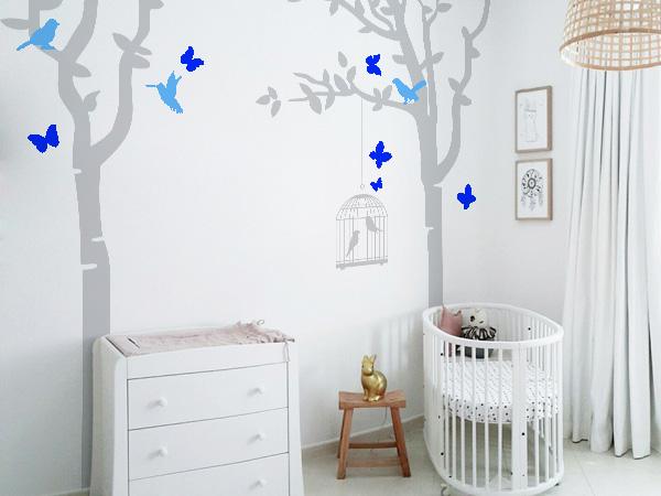 Arboles con pajaros y mariposas gris y azul