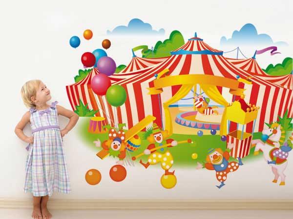Carpa de circo con payasos