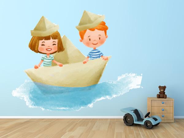 Niños en un barco de papel